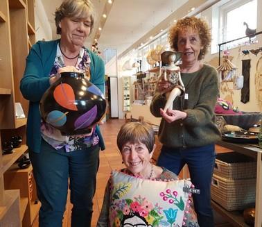 3 dames met producten